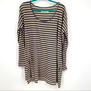 Free people gray and while beach knotted top
